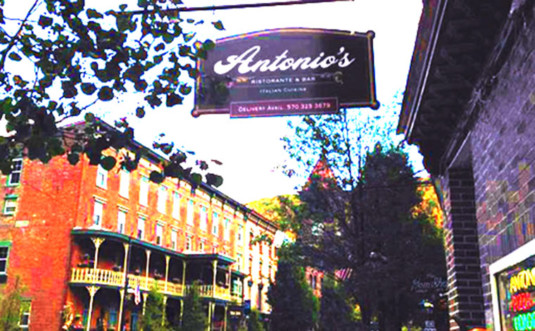 Antonios-Pizzeria-exterior-and-sign-downtown-jim-thorpe