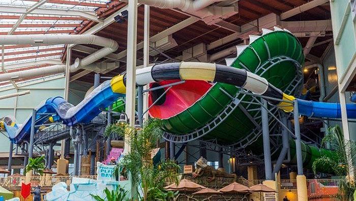 Aquatopia-Indoor-Water-Park-venus-slydetrap