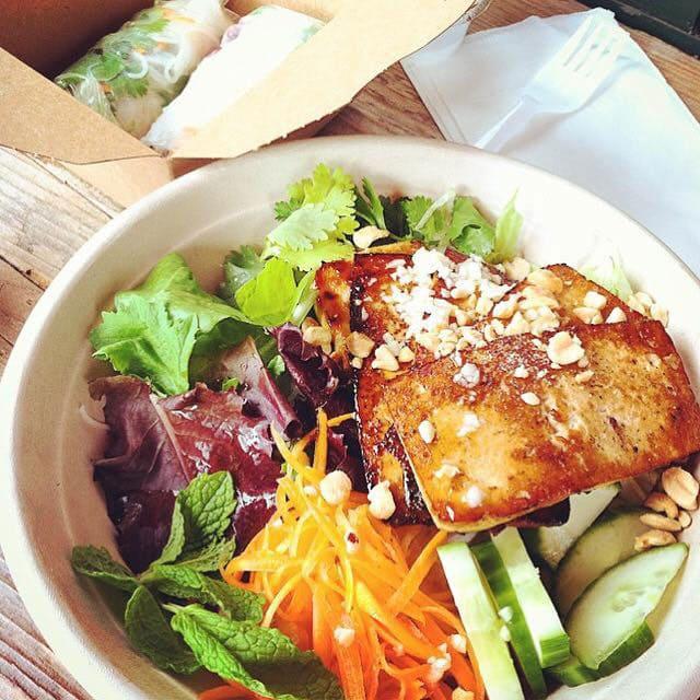 Ba-Me-Vietnamese-Honesdale-tofu-vermicelli-bow
