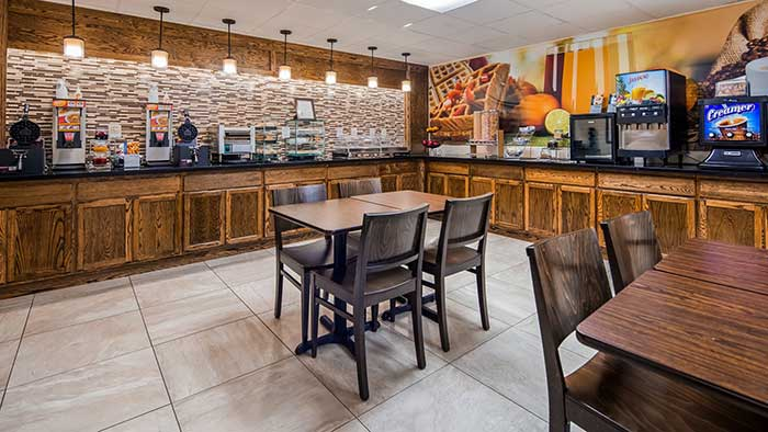 Best-Western-Inn-Blakeslee-breakfast-bar