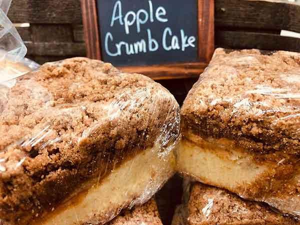 Camp-Umpy's-Bagels-&-Stuff-apple-crumb-cake