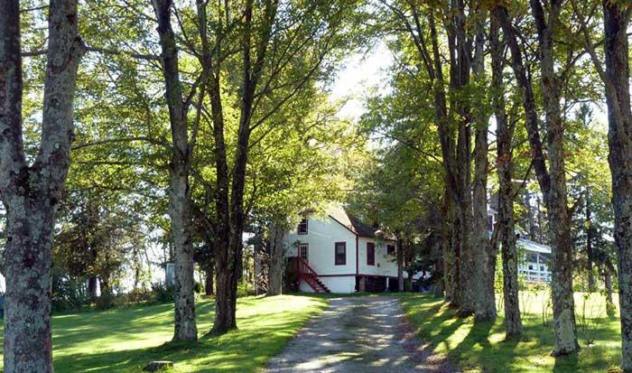 Cherry-Ridge-Campsites-&-Lodging-walk-to-lodge