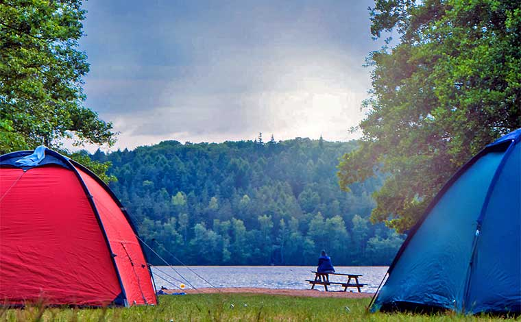 Chestnut Lake Campground tents by the lake