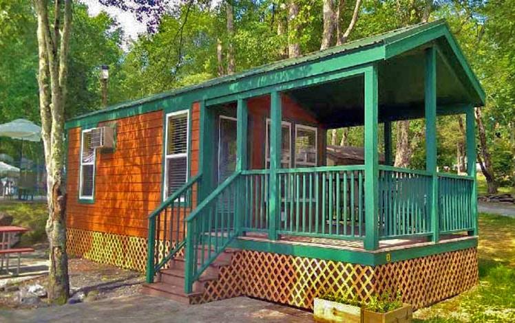 Delaware-Water-Gap-KOA-cabin-in-woods
