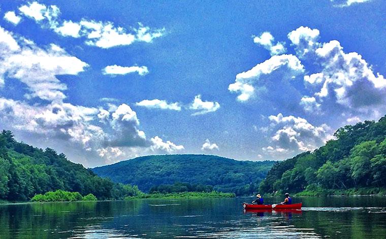 Canoe on the delaware river