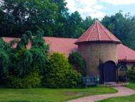 Frazetta-Art-Museum-exterior-castle-like-building-and-grounds
