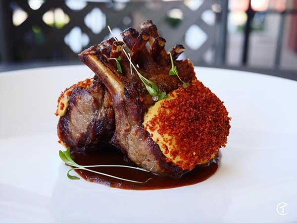 Garlic-Prime-Steak-&-Seafood-rack-of-lamb