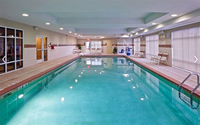 Hampton-Inn-Matamoras-pool