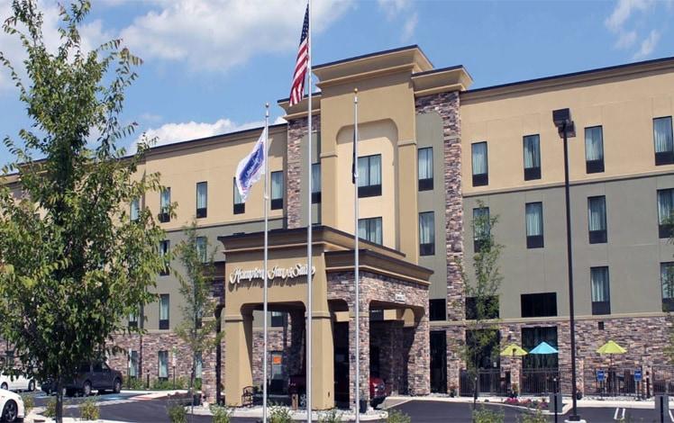Hampton-Inn-&-Suites-Bartonsville-front