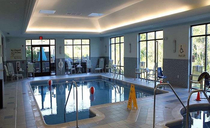 Hampton-Inn-&-Suites-Bartonsville-indoor-pool