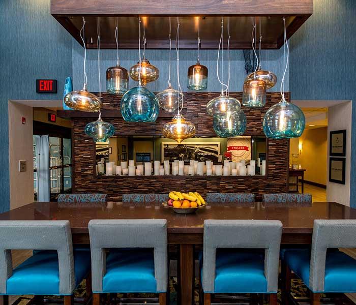 Hampton-Inn-&-Suites-Bartonsville-lobby