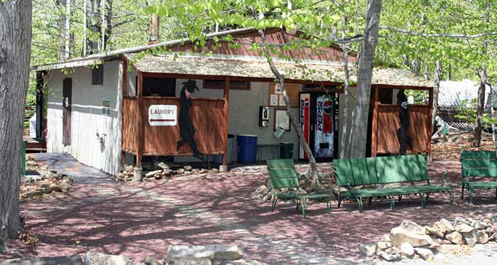 Hemlock-Campground-&-Cottages-bathhouse