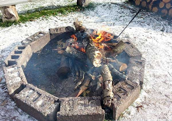 High-Country-Cottages-&-Motel-motel-rooms-fire-ring