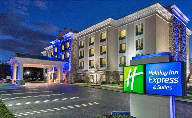Holiday-Inn-Express-&-Suites-Stroudsburg-exterior-carport
