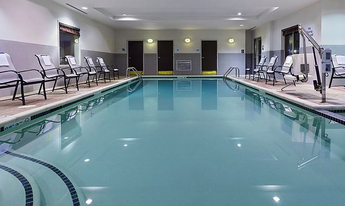 Holiday-Inn-Express-&-Suites-Stroudsburg-pool
