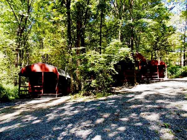 Jim-Thorpe-Camping-Resort-group-of-cabins