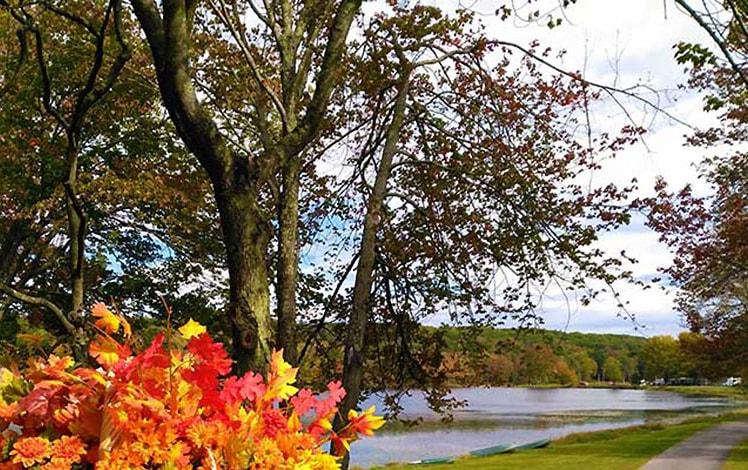 Lake-Moc-A-Tek-Campground-the-lake-in-fall