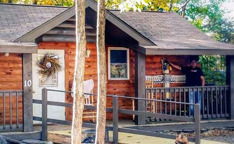 Lake-Wanoka-Resort-Campground-cabins