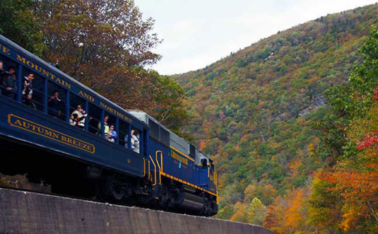 Lehigh-Gorge-Scenic-Railway-autum-breeze-tour