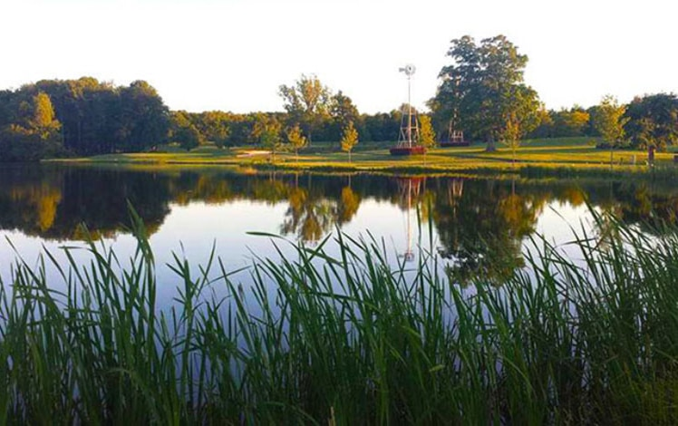 Mountain-Laurel-Golf-Club-on-the-lake-