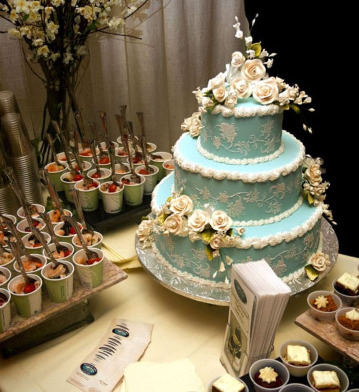 Mountaintop-Lodge-Weddings-wedding-cakes