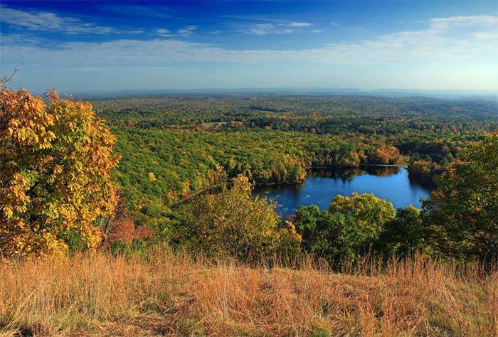 Mt.-Wisner-at-Gravel-Preserve-overlooking-lake