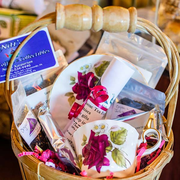 Nai's-Tea-and-Coffee-Shop-gift-basket