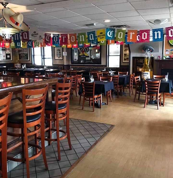 Newfoundland-Hotel-Restaurant-dining-room