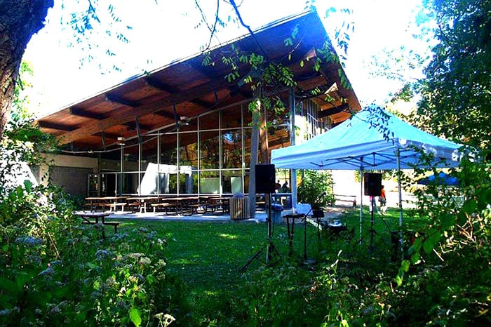 Pocono-Environmental-Education-Center-dining-hall-exterior