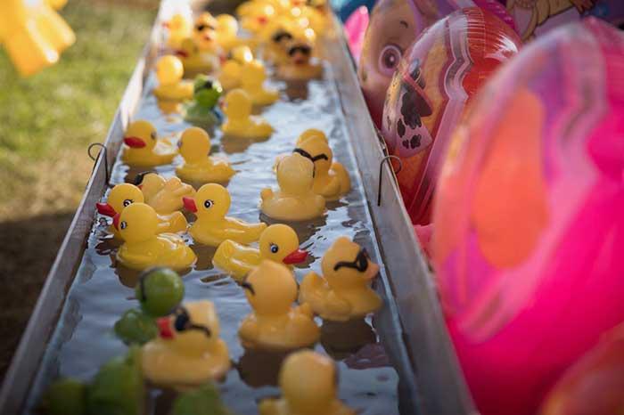 Pocono-Mountain-Carnival-rubber-ducks-game