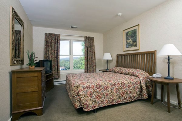 Pocono-Mountain-Villas-by-Exploria-guest-rooms