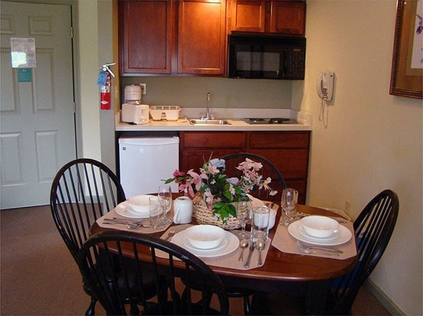 Pocono-Mountain-Villas-by-Exploria-kitchen