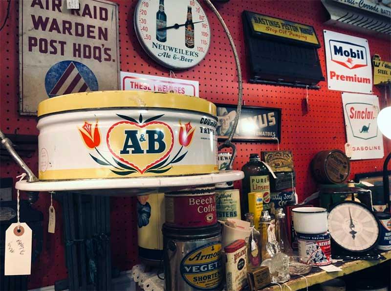 Pocono-Peddlers-Village-Antique-Mall-vintage-signs