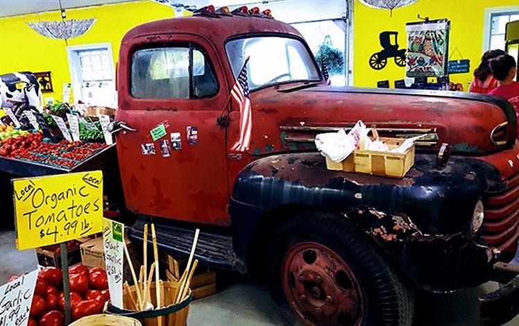 Ritters-Farm-Market-interior-and-tomato-truck
