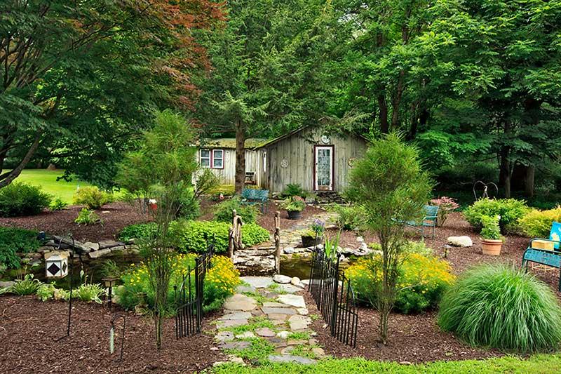 The-Frogtown-Inn-Bed-&-Breakfast-garden