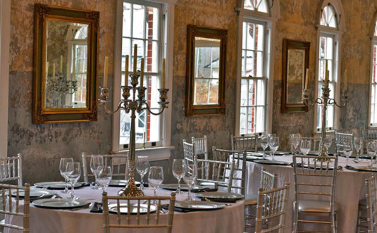 The-Hall-at-Castle-Inn-tables-and-candleabras