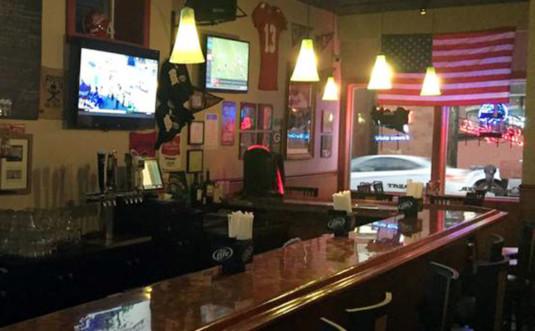 Warrior-Bar-&-Grill-bar-and-window