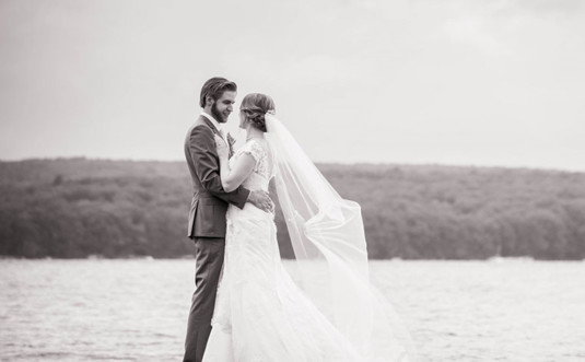 Weddings-at-Silver-Birches-couple-on-lake
