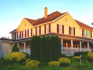 Yesterday-Farm-Bed-Breakfast-farmhouse-daytime
