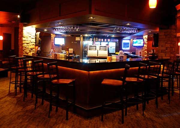 baymont-inn-&-suites-bar-at-the-lounge-restaurant