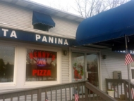benny's-pizza-henryville-entrance-and-signage