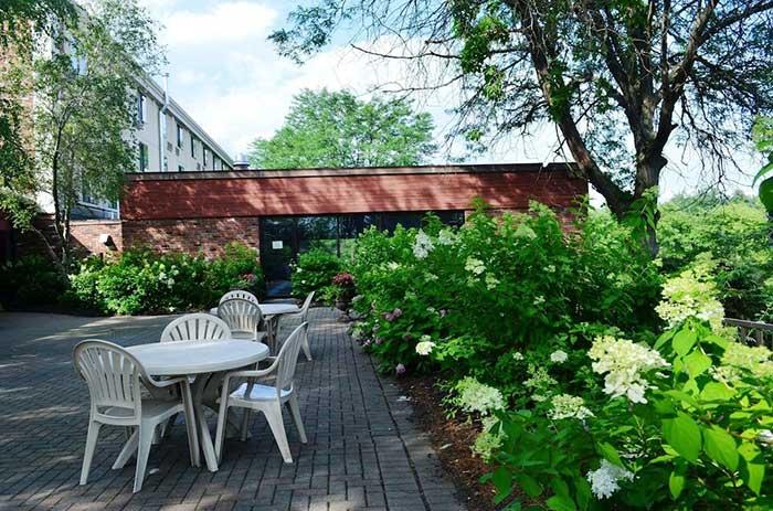 best-western-inn-at-hunt's-landing-patio