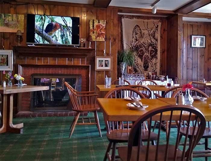 big-a-grillehouse-tavern-room