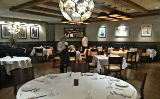bisteca-by-il-mulino-dining-room-chandelier