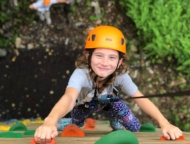 picture kid-of-climbing-wall