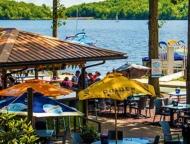 boulder-view-tavern-patio-bar