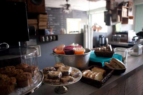 cafe-duet-stroudsburg-pickup-counter
