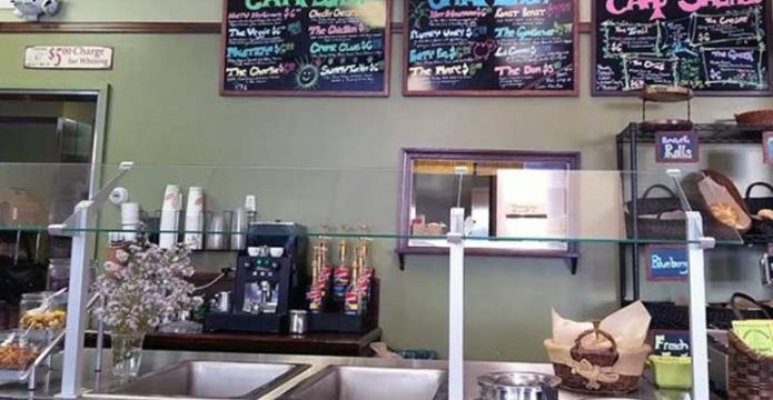cafe-umpys-pickup-counter