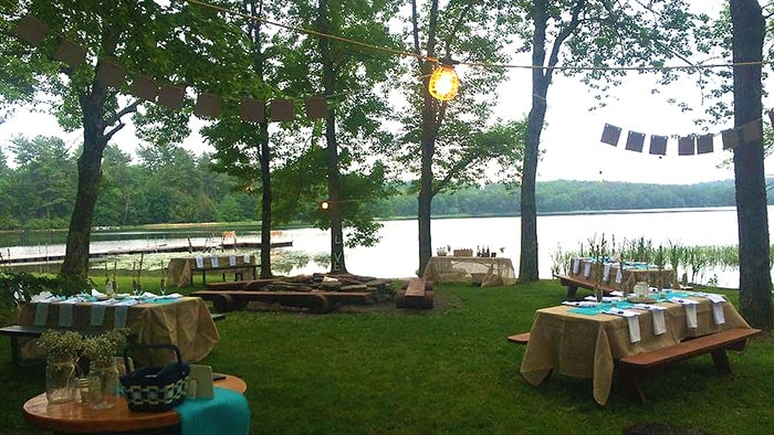 central-house-resort-family-picnic-on-the-lake