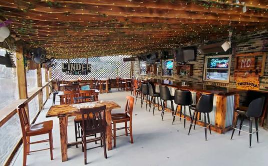 cinder-inn-outdoor-bar